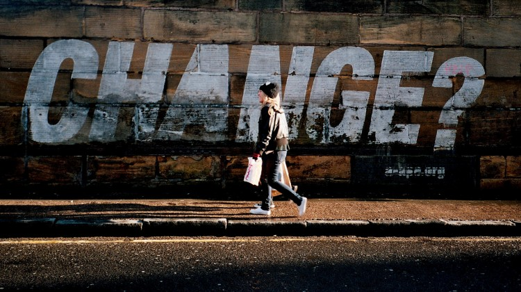 Foto da Flickr.com, Change? di Arthur John Picton, Licenza Creative Commons (CC BY-NC 2.0)