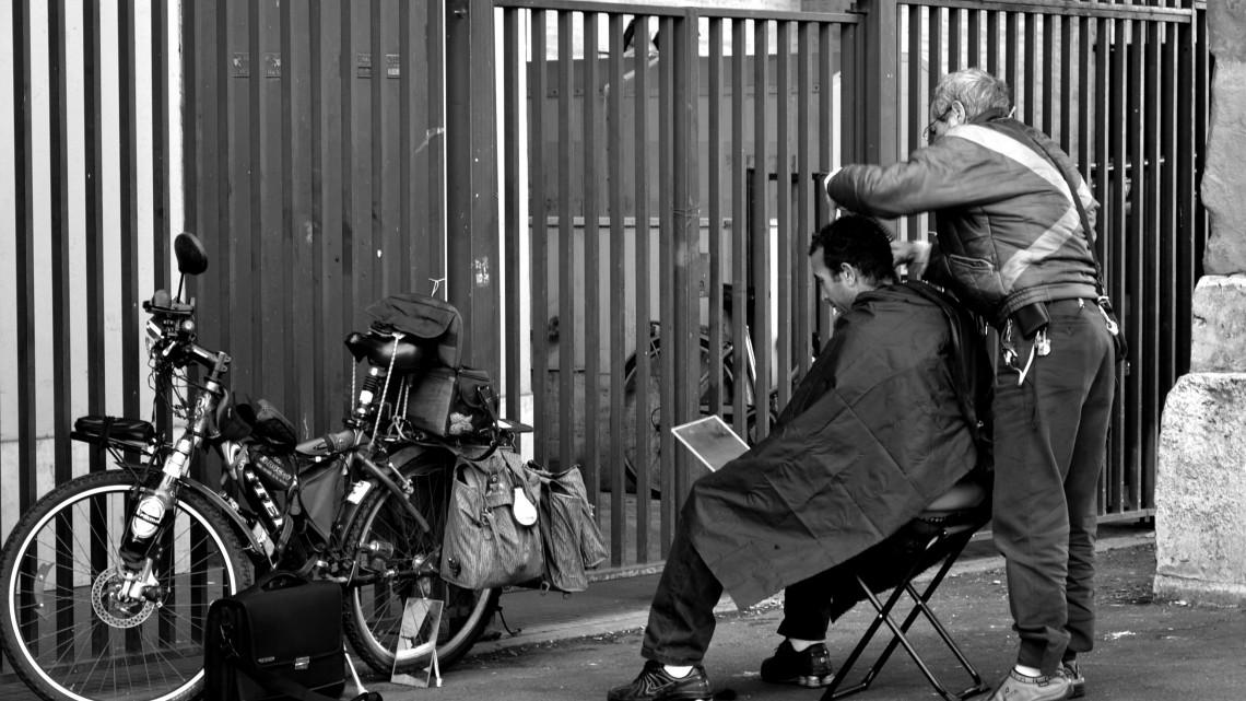 Da Flickr.com, Milko, barbiere di strada, foto di Zak, Licenza Creative Commons (CC BY-NC-ND 2.0)