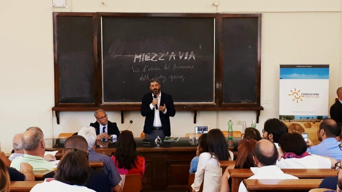 Miezz'a via, una foto dell'incontro con il Presidente della Camera Roberto Fico
